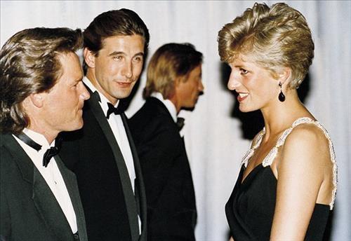 [사진]영국 데일리메일 캡처, 고(故) 다이애나 왕세자비(맨 오른쪽)커트 러셀(맨 왼쪽)