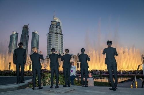 [사진]두바이관광청 제공, 올해 1월 두바이 분수쇼를 방문한 엑소