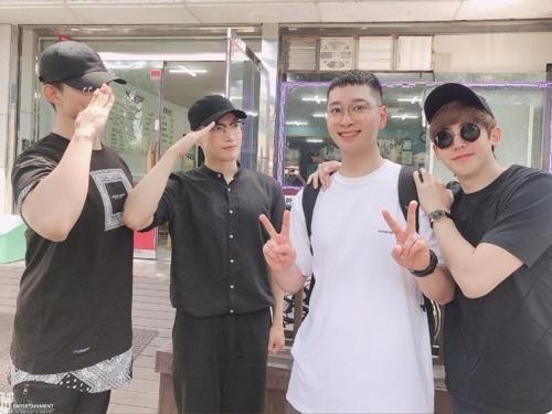 [사진]2PM 트위터 캡처, 2PM 멤버들(왼쪽부터 택연, 준케이, 찬성, 닉쿤)