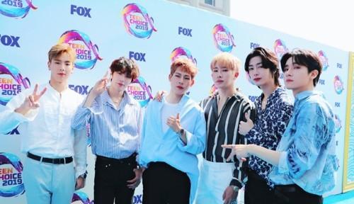 [사진]몬스타엑스 공식 트위터 캡처, 11일(현지시간) 틴 초이스 어워즈 2019(Teen Choice Awards 2019)에서 공연을 펼친 그룹 몬스타엑스