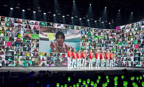 [사진]SM엔터테인먼트 제공, 'NCT 127 - 비욘드 디 오리진' 화상 연결 장면