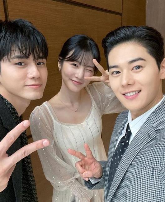 [사진]김동준 인스타그램, 왼쪽부터 옹성우, 신예은, 김동준